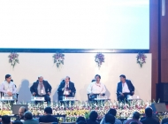 Dr-SaxenaCEO-SCGJ-moderating-Panel-Discussion-at-Vibrant-Gujarat-pre-summit